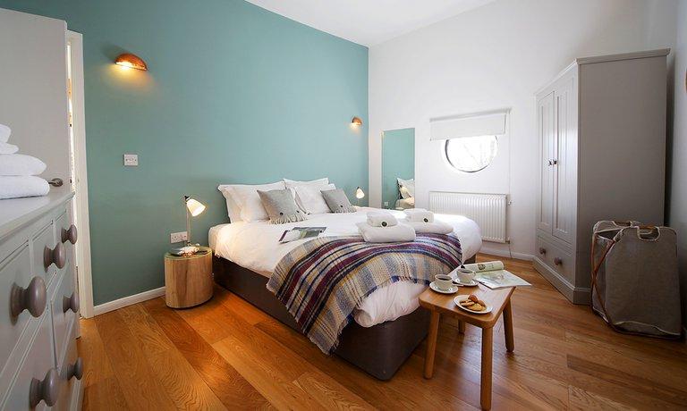 Third cosy double bedroom