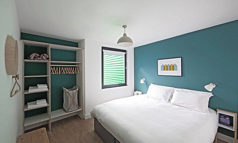 Locally furnished double bedroom